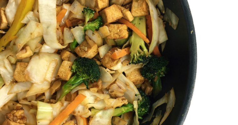 Recipe Review – Tofu Veggie Bowl with Cabbage Noodles