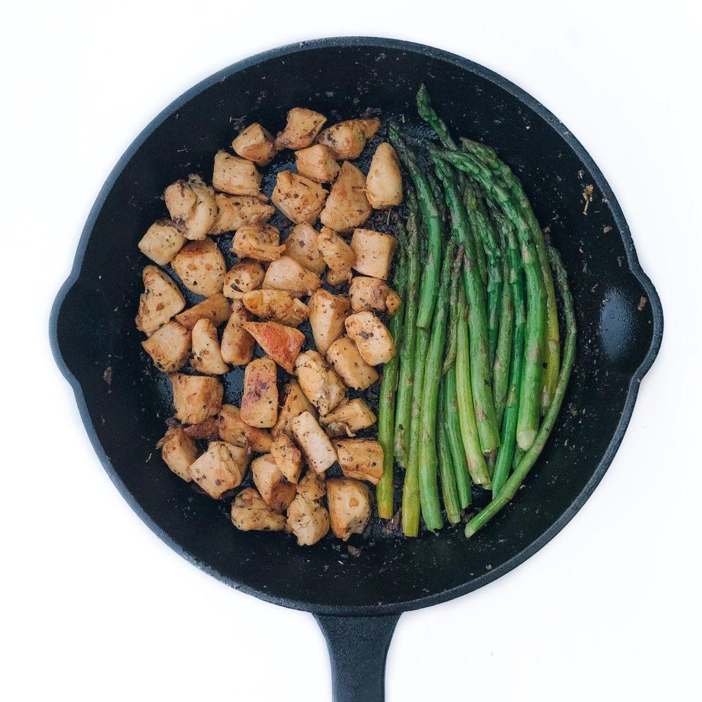 one-pan garlic butter chicken bites with lemon asparagus