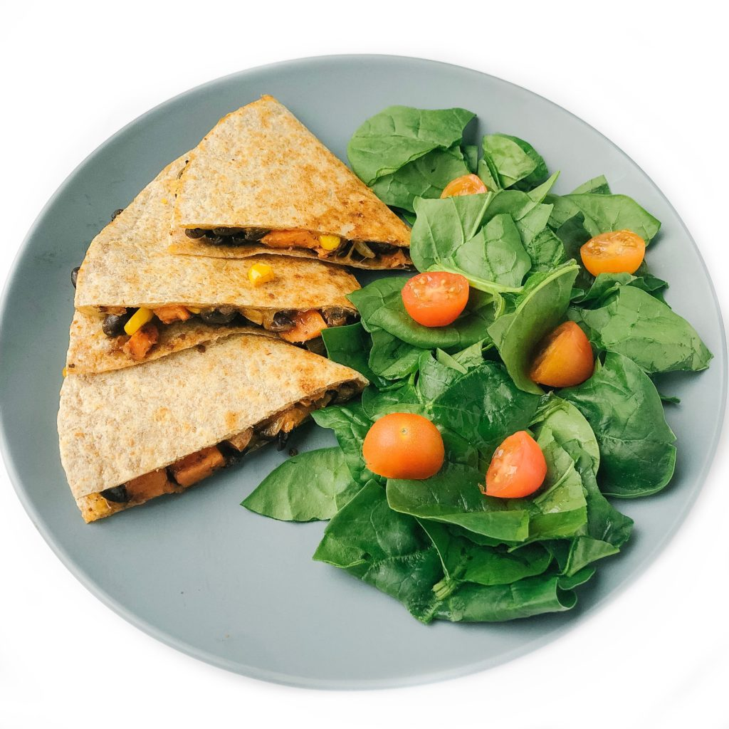 5 meals that make dinner time with your toddler less stressful - black bean quesadilla