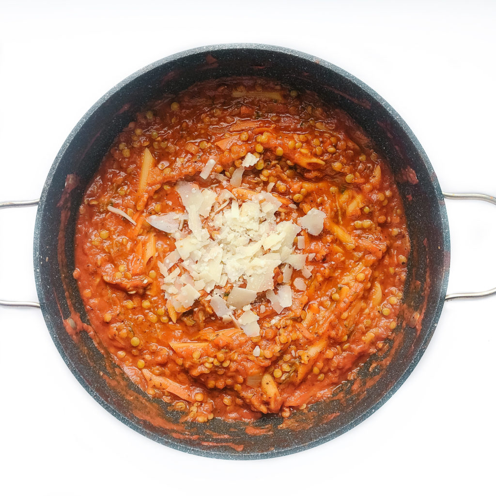 Easy one pan lentil pasta