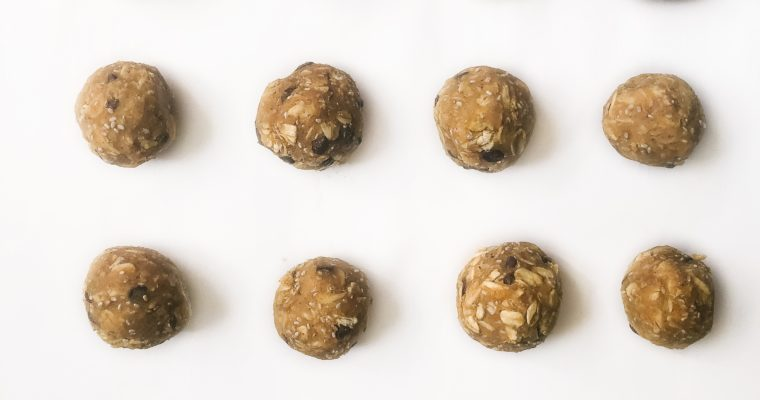 No-Bake Chickpea Cookie Dough Energy Bites
