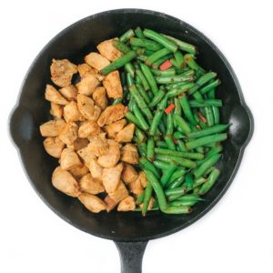 One Pan Spicy Chicken and Green Beans