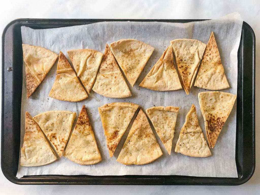 Bakes whole wheat pita chips